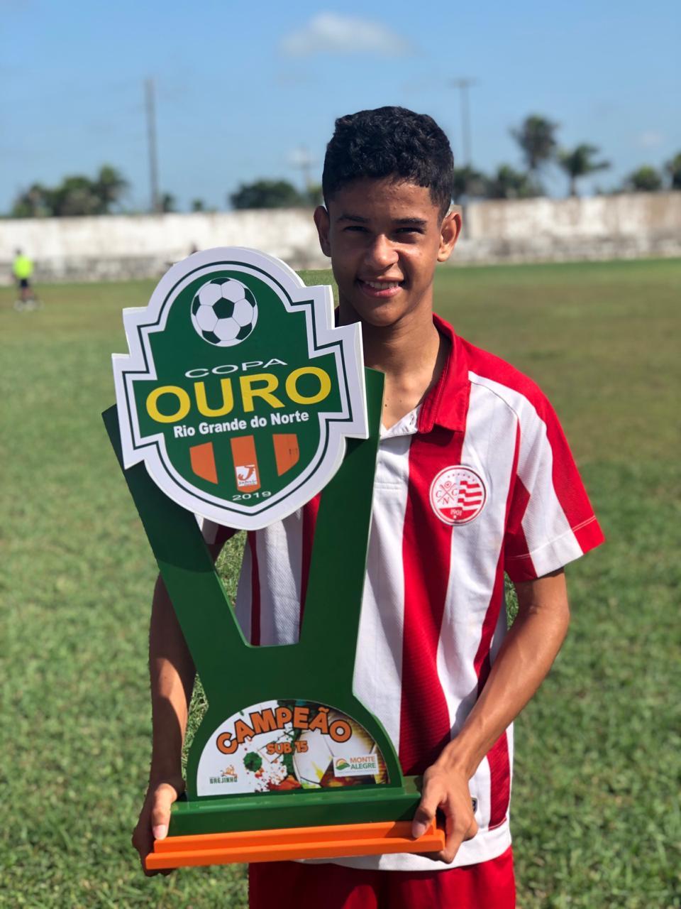 Garoto de Nova Olinda do Maranhão conquista título na base do Náutico de PE