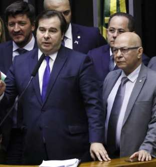 Maia marca para terça-feira início da votação da reforma da Previdência
