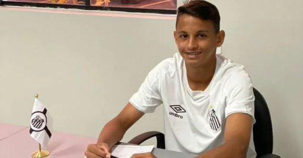 Jogador adolescente de Presidente Dutra (MA) vale no Santos R$ 455 milhões