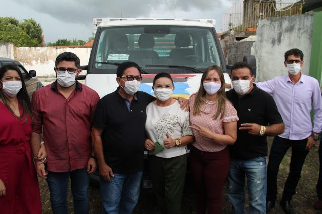 Governo do Estado entrega caminhão  em solenidade para Apicultores de Nova Olinda do MA.
