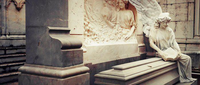 El Cementerio de San José en Granada un paseo de Verano