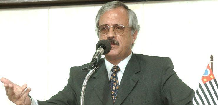 O Coronel Ubiratan Guimarães liderou a intervenção da Polícia Militar no Carandiru