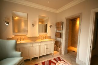 Hand-made bathroom vanity unit in Knightsbridge