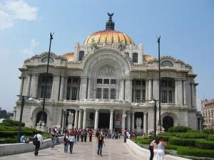 El Palacio de Bella Artes se hunde