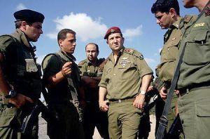Ehud Barak en sus dias de comando.