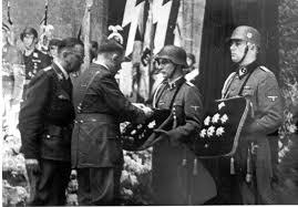 himmler y Hitler en el funeral de Heydrich