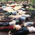 Jonestown, suicidio masivo ideológico.