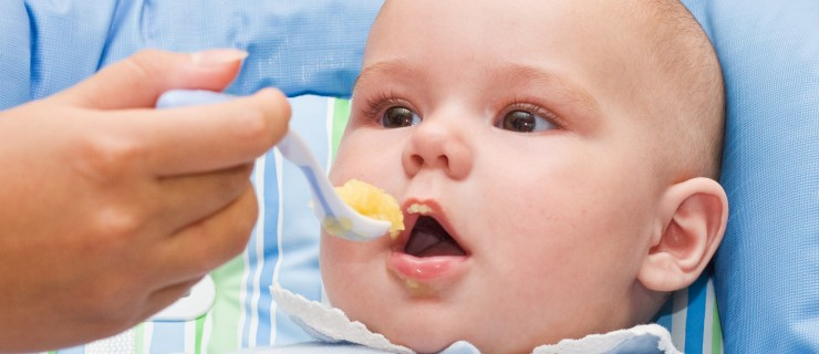 Bebeklerde Ek Gıdaya Geçiş Sırasındaki Problemler
