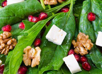 Balık yanına nefis roka salatası