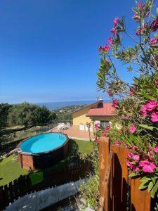 Blick auf Villa Karillos Italien Ferien