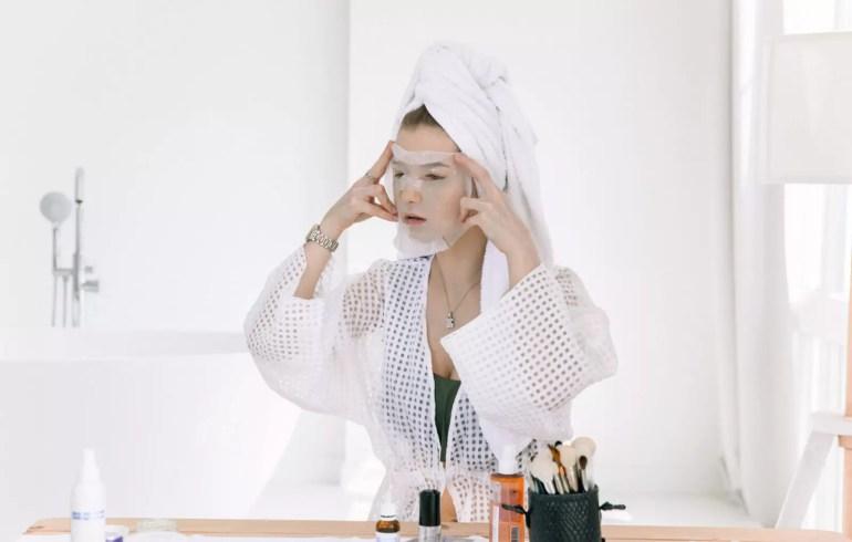 cilt bakımında kağıt maske kullanmak