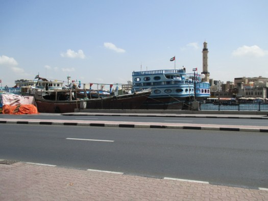 Dhows working cargo on Deira wharf
