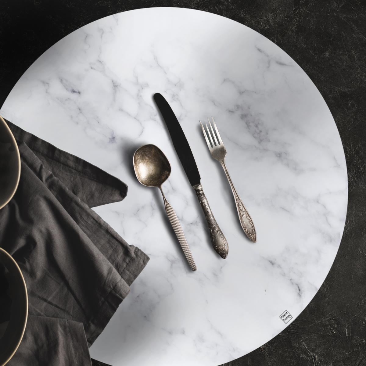 set de table effet de matiere marbre blanc