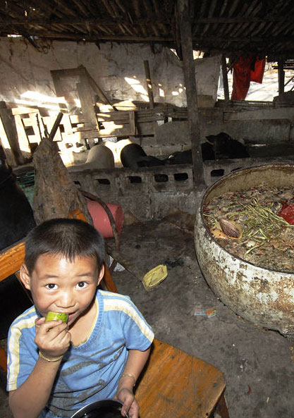fenghuang-slum-demolition-6