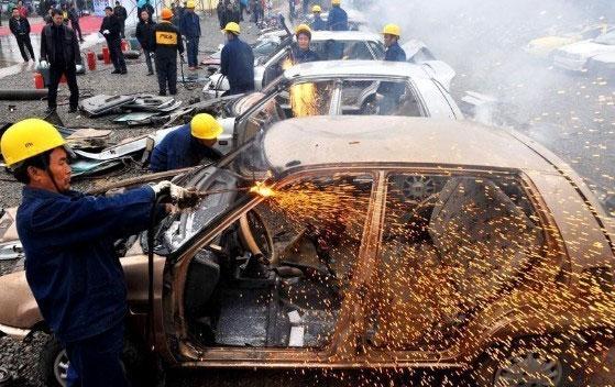 smashing-cars-7