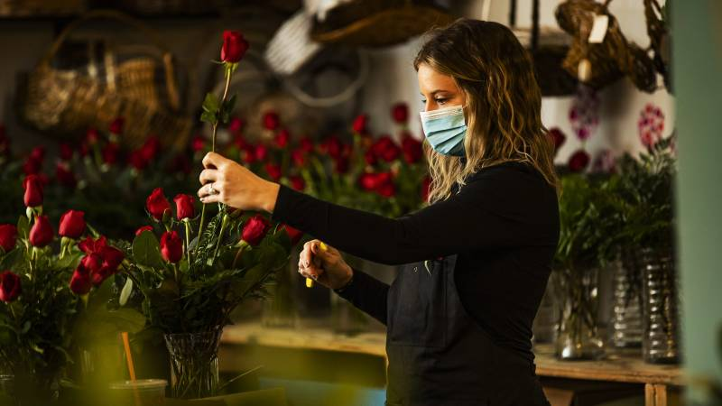 How To Keep Your Valentine's Day Flowers Alive Longer