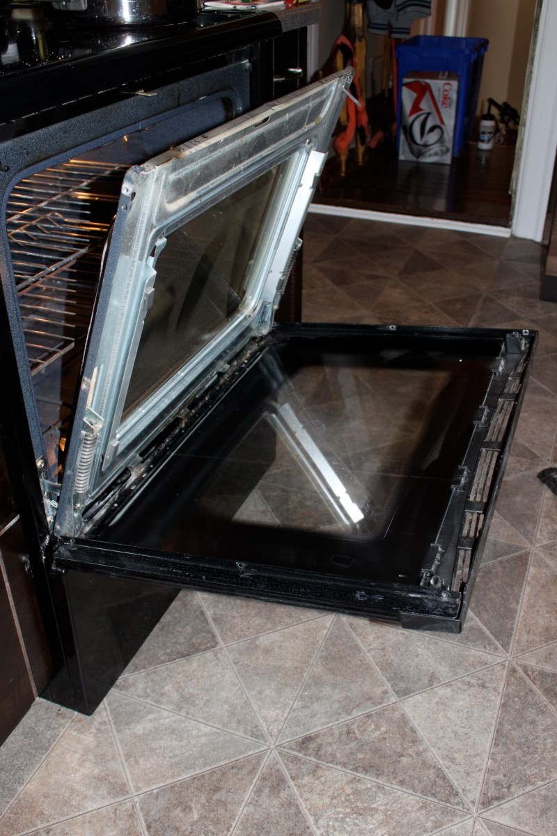 cleaning oven glass