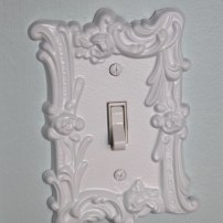 AFTER: Spray painted switch plate