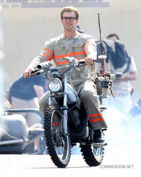"""Exclusive... 51825827 Actor Chris Hemsworth wears his Ghostbusters uniform as he rides a motorcycle on the set of """"Ghostbusters"""" on August 17, 2015 in Boston, Massachusetts. FameFlynet, Inc - Beverly Hills, CA, USA - +1 (818) 307-4813"""