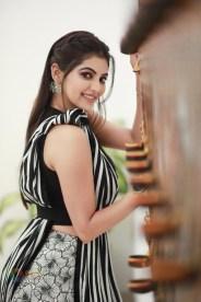 Athulya Ravi (48)