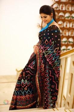 Athulya Ravi (74)