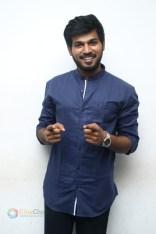 Kannum Kannum Kollaiyadithaal Press Meet Stills (6)