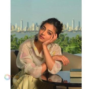 Radhika Aapte (9)