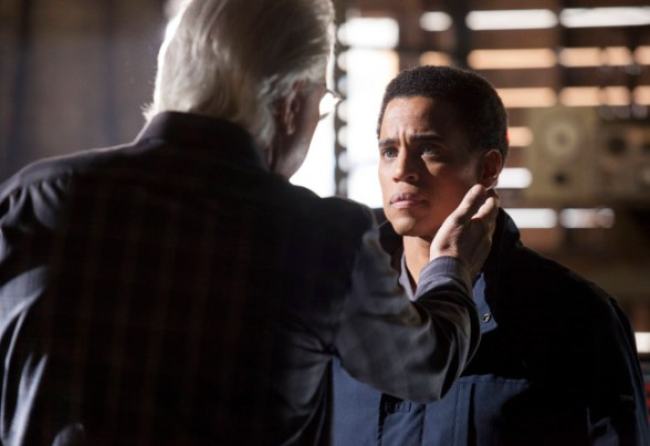 Almost Human 1x09-2