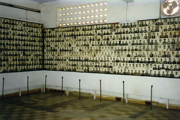 tuol-sleng-prison01