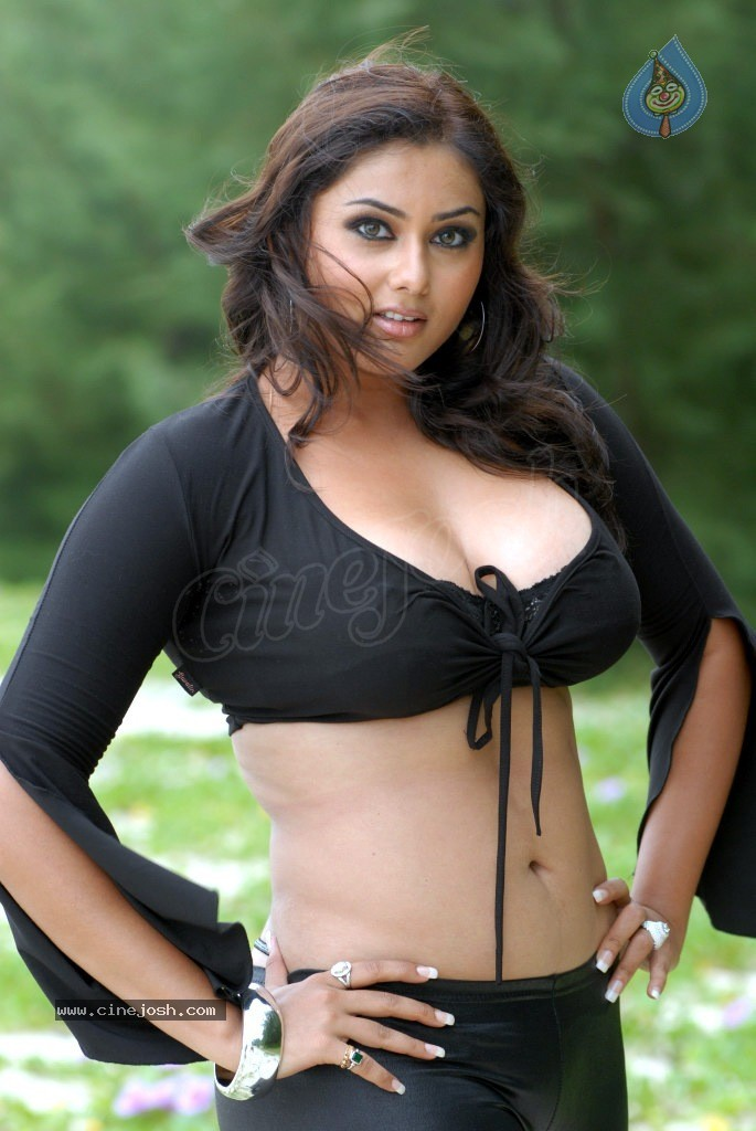 namitha new spicy photos 2404121109 066 FOTO MODEL PALING HOT DAN SEKSI   Model Asia Seksi Berpayudara Besar