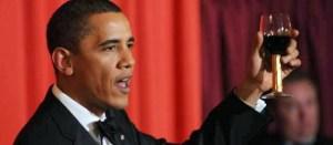 Obama-brindisi-vino