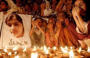 PAKISTAN le preghiere per Malala ferita