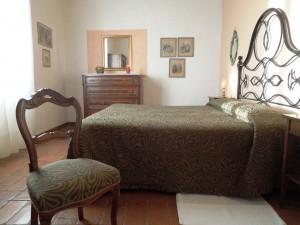 Fattoria Del Colle apartment Guardia - double bedroom