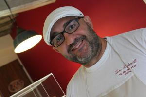 Toni Cafarelli  maestro gelataio a Montisi