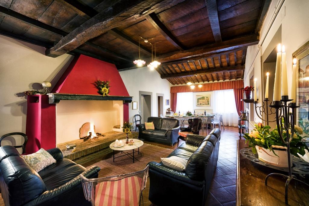 Villa Archi Toscana sala del camino