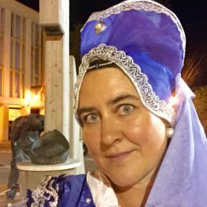 Monica-Larner-in-medieval-costume-