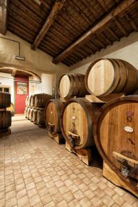 Casato-prime-donne-Montalcino-barrels-and-tonneaux
