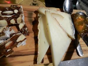 DopolavoroLaFoce-panforte con formaggio e gelatina di frutta