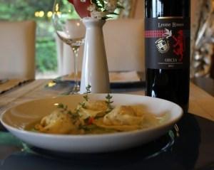 FattoriaDelColle-Ravioli-con-ripieno-di-pecorino-DocOrcia-Leone-Rosso