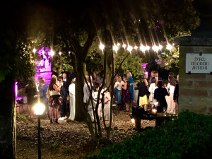 Lighting-for-summer-dinners-Fattoria-del-Colle- stolen-photo-