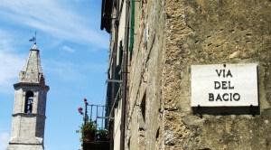 Turismo-da-innamorati-Via-del-Bacio