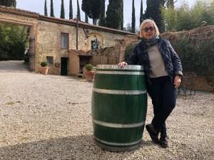 una botte verde per la Festa delle Donne del Vino