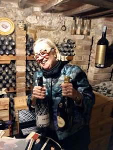 Donatella Cinelli Colombini trafuga bottiglie pregiate