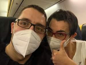 Violante ed Enrico sul volo di ritorno da Gozo, Malta