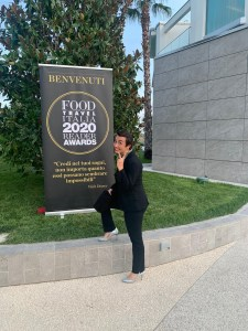 Food-and-Travel-Award-2020-alla-Fattoria-del-Colle-con-Violante-a-ricevere-il-premio