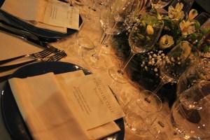 mettere-a-tavola-i-calici-del-vino