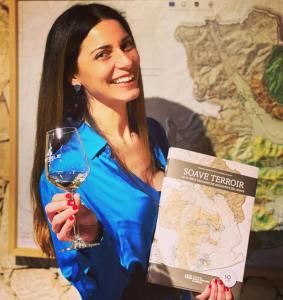 Chiara Giannotti, influencer, esperta di vino con reputazione internazionale