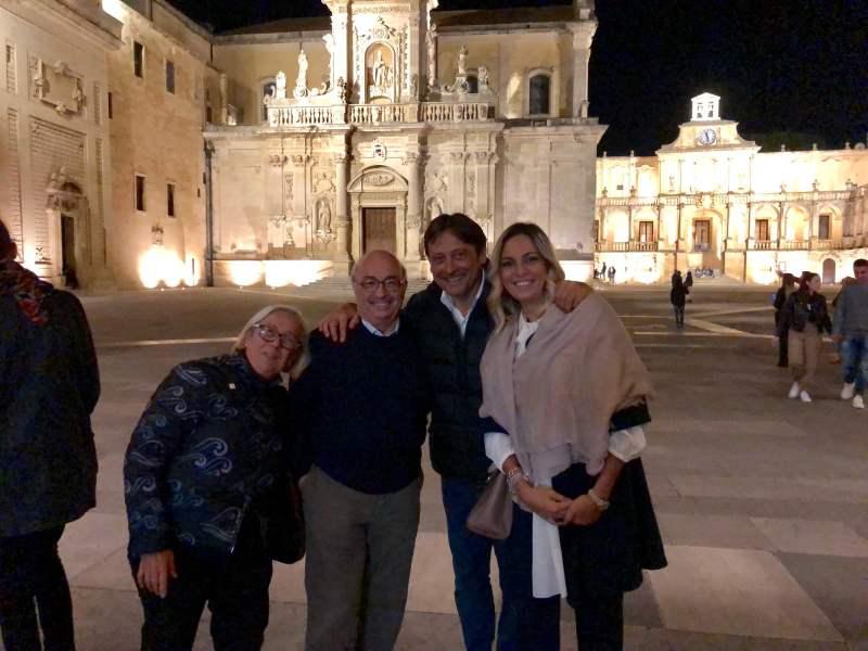 Lecce-Donatella-Cinellicolombini-suo-marito-Carlo-Dario-e-Paola-Stefano