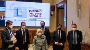 Turismo-del-vino-Franceschini-Patuanelli-CinelliColombini-Quaranta-Stefano-Garavaglia