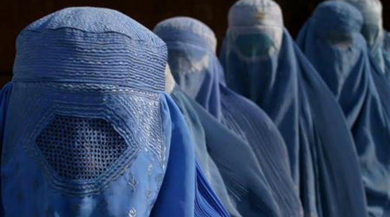 Afghanistan-donne-con-burqa